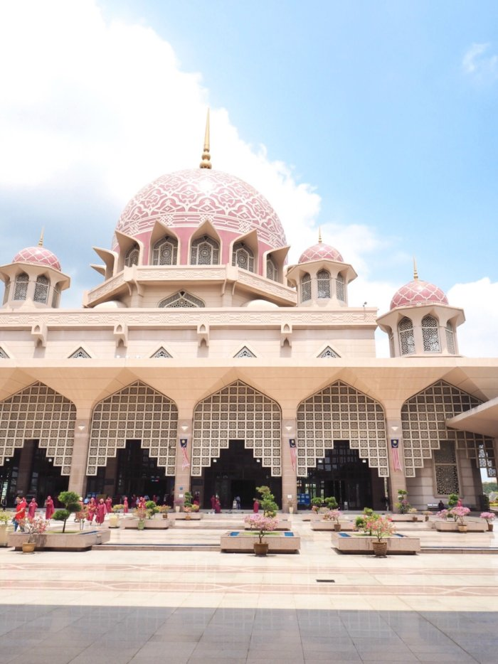 Kuala LumpurのPink Mosque