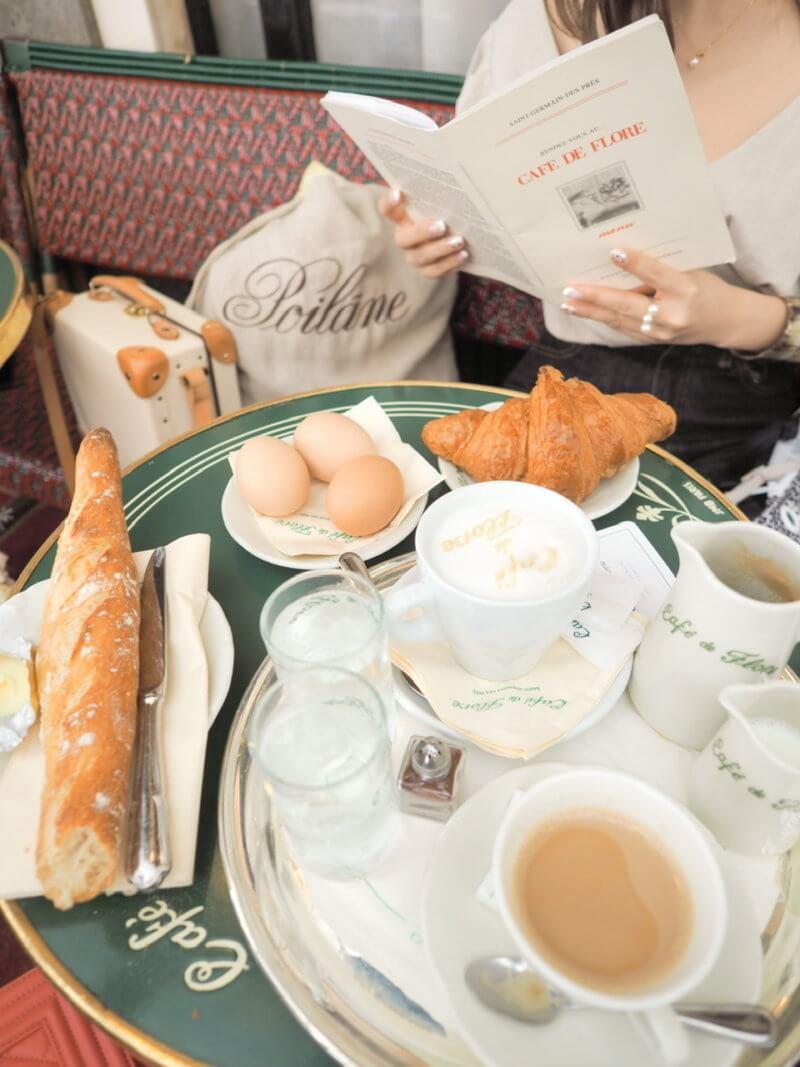 Café de Floreで朝食を。