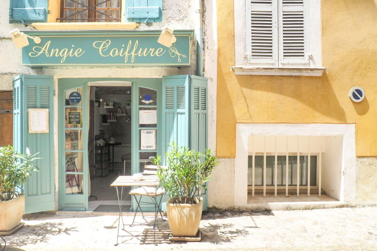 ムスティエサントマリー フランスの最も美しい村